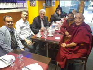 Lama Thubten Wangchen en GANDHI Restaurante Hindú de Barcelona